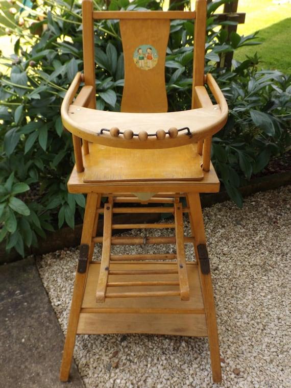 chaise haute pour b b en bois vintage ancienne chaise haute. Black Bedroom Furniture Sets. Home Design Ideas