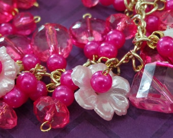 Vintage Charm Bracelet Shades of Pink Flowers Daisy Lily Gold Tone Lucite Faux Pearls