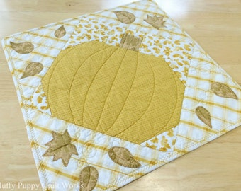 Pumpkin Table Runner, Quilted Fall Table Topper, Autumn Leaves Table Decor, Pumpkin Fall Leaf Table Topper, Orange Gold Table Runner