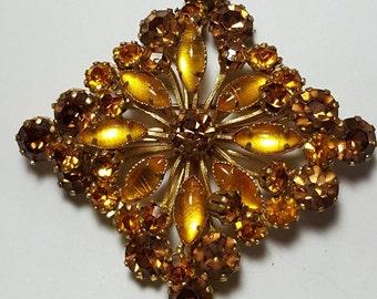 Vintage Brooch ,1960's brooch, light Topaz rhinestone large pin, brooch in the shape of a rhombus