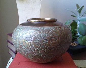 Price drop! From 25 to 20 dollars! Vintage Brass/Verdigris Bowl