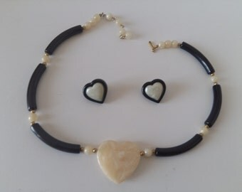 Avon Modern heart vintage necklace and earring set-black-1988