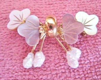 Small Pin With Real Pearls