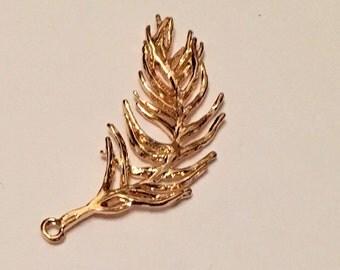 14 Carat Gold Unique Feather Pendant   104-AuP