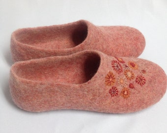 Sale -22% OFF Women's house shoes, Felted wool slippers, Woolen clogs, Mothers day gift, Warming gift for her, Christmas gift