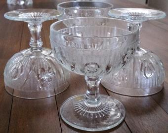 Iris Herringbone Sherbet Fruit Dessert Bowls Set of 4