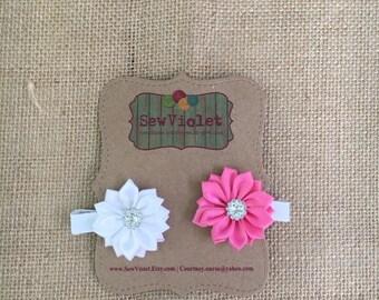 2 flower hair clips
