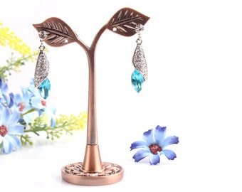 Earring stand leaves