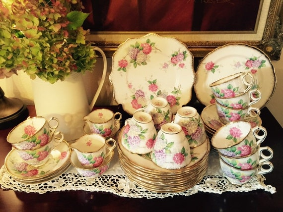royal stafford carousel bone china tea set for 12 hydrangeas. Black Bedroom Furniture Sets. Home Design Ideas