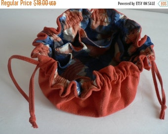 VALENTINES DAY SALE Vintage Faux Suede Jewelry Travel Pouch Jewellery Bag Jewellery Storage