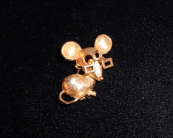 AVON So Cute Mouse with Reading Glasses Brooch/Pin