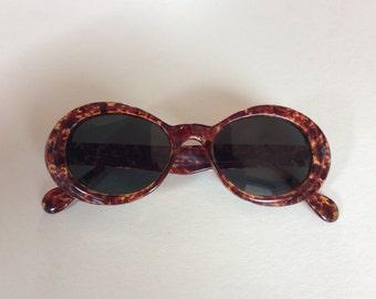 Vintage dead stock glass lense sun glasses. 1960's