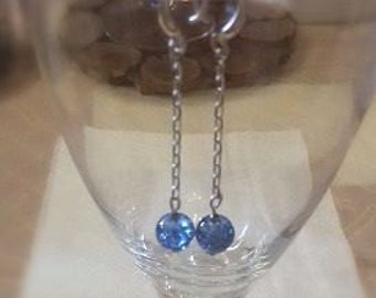 Long earrings with crackled glass