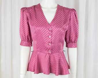 Beautiful silk Vintage fitted top blouse