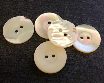 Vintage buttons 18 mm mother-of-Pearl button white