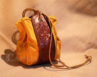 Medieval Bee Pouch | Brown leather & Yellow damask