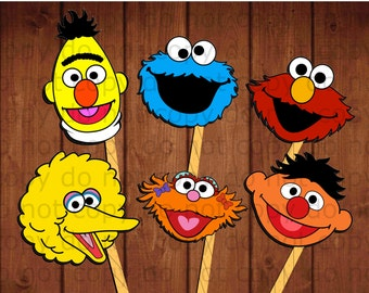 12 Sesame street Photo booth props/masks, 12 different characters, you can't miss the photobooth for your Sesame Street birthday party!