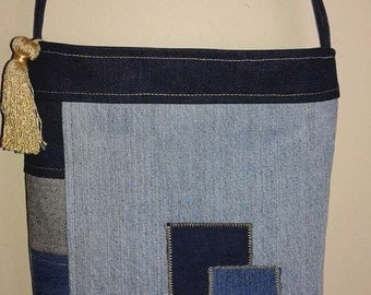 Recycled jean bag with zipper