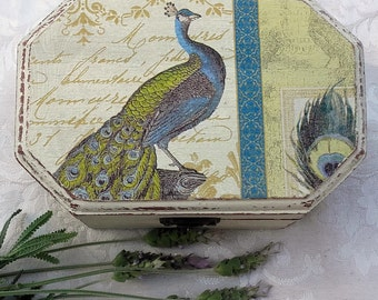 Box decorated with the technique of decoupage.