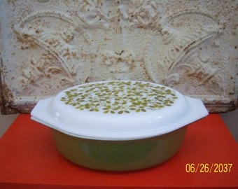 Vintage Pyrex avacado green 045 with olive cassarole lid