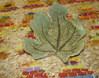 Small Green Ceramic Fig Leaf