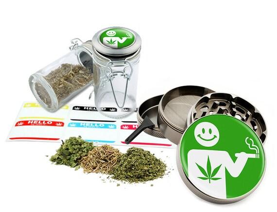 "Smoking Design - 2.5"" Zinc Alloy Grinder & 75ml Locking Top Glass Jar Combo Gift Set Item # 50G102015-38"