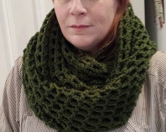 Snood crocheted by hand