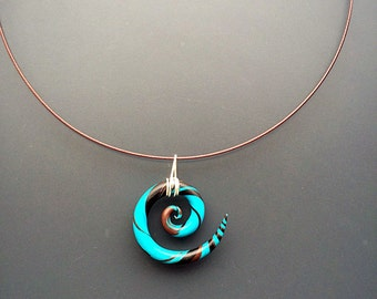 Necklace with spiral pendant