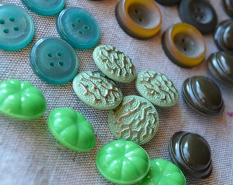 55 Soviet buttons - Set of vintage russian buttons - Green and brown retro buttons - USSR 70's, 80's - READY To SHIP