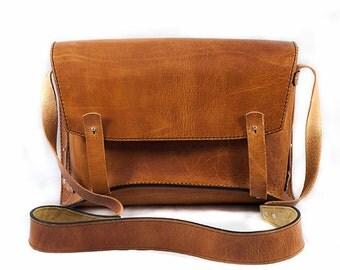 Handmade leather briefcase/messenger bag/vegetable tanned leather/laptop bag, office bag, school bag, student's bag