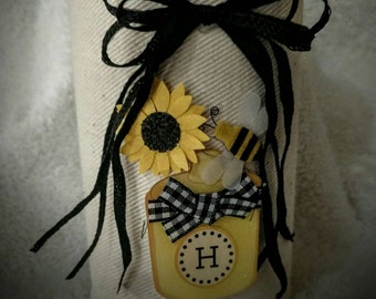 Black and Yellow Center Piece with Bee and Hive