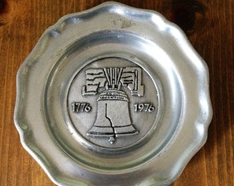 Bicentennial Aluminum 1776 Liberty Bell Souvenir Celebration Plate Plaque Small Metal Collectible 70's Colonial Midcentury Silver Made in US