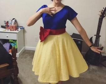 Disney-bound! Snow White 50s-Style Dress