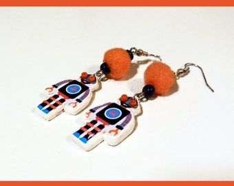 "Earrings robot ""both make the pair"""