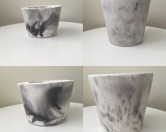 Marble effect concrete pot