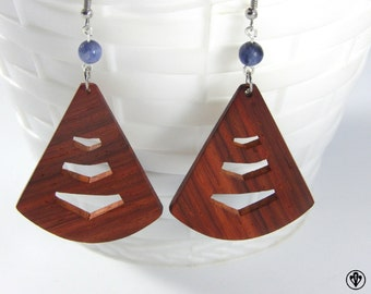 Earrings in the Congo with pearls Sodalites Padouk