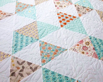 twin size quilt, made to order quilt, triangle quilt, modern quilt, quilted bedding, patchwork, quilt, patchwork quilt, homemade quilt