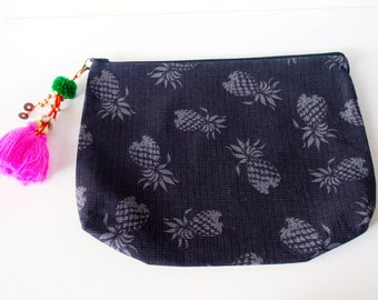 Pineapple Beach Clutch