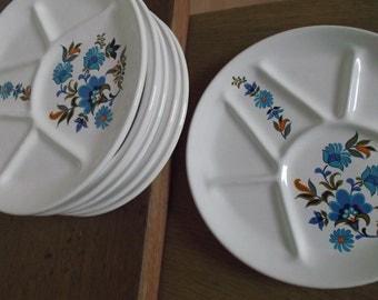6 plates vintage