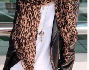 Scarf lightweight leopard