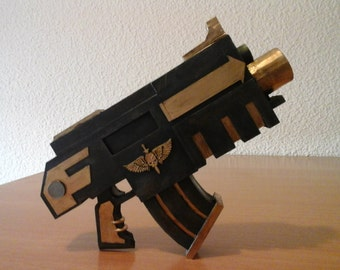 Bolter pistol replica warhammer 40 k cosplay Boltgun