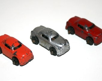 Vintage 1940's BARCLAY Lot of 3 Slush Lead 1 1/2 Inch Long Cars for Auto Transporter