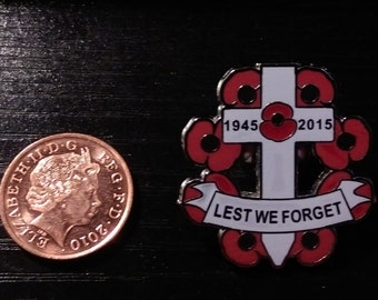Remembrance Day World War Memory UK Army Lest We Forget Red Poppy Flower Pin Badge Brooch