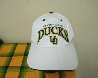 RARE Vintage OREGON DUCKS Cap Hat free size for all