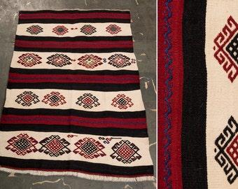 PAYPAL PAYMENT, Exciting 40 Years Old Turkish Kilim, Dekoratife Kilim, Vintage home decor, Area kilim, Kilim rug, hand made kilim, Konya