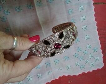 Spectacular sterling silver bracelet with Rhodolite garnets and black onyx