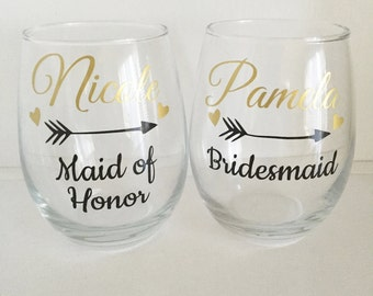 3 Personalized Bridesmaid Wine Glass, Gold Bridesmaid Wine Glass, Gold Wedding, Bridesman Gift, Wedding Attenadnt Gift, Gold Gift
