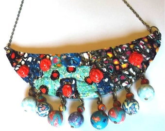 Necklace multicolor chest