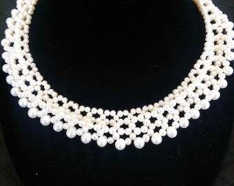 Beautiful Natural White Pearl Lace Style Necklace