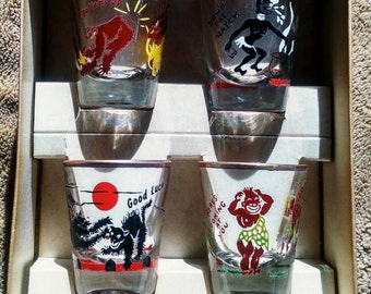 Vintage Rumpus Set containing 4 shot glasses - Barware - Deco